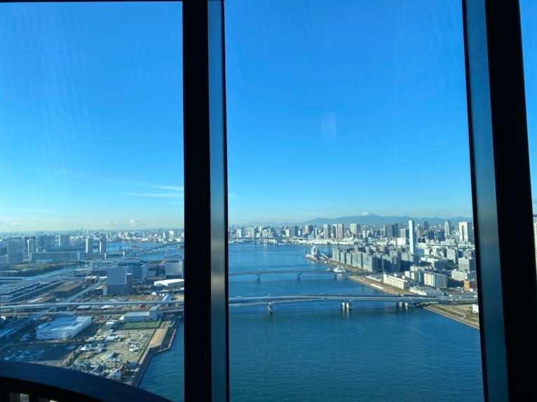 三井ガーデンホテル豊洲ベイサイドクロスの朝食:レストランからの眺望