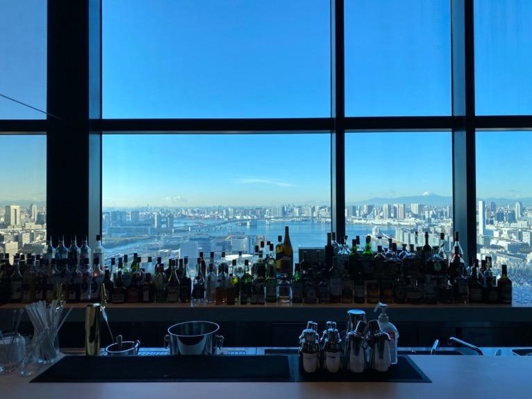 三井ガーデンホテル豊洲ベイサイドクロスの朝食:バーカウンターからの眺望