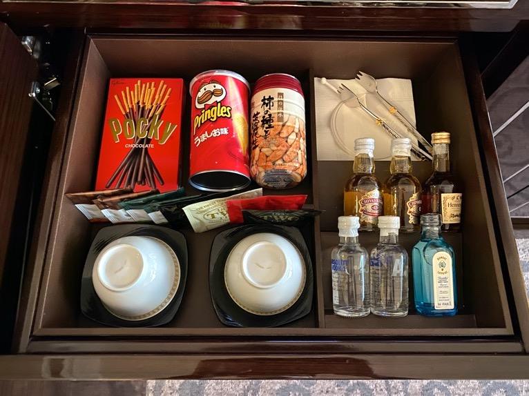 インターコンチネンタル東京ベイ 宿泊記「客室」:スナック&洋酒