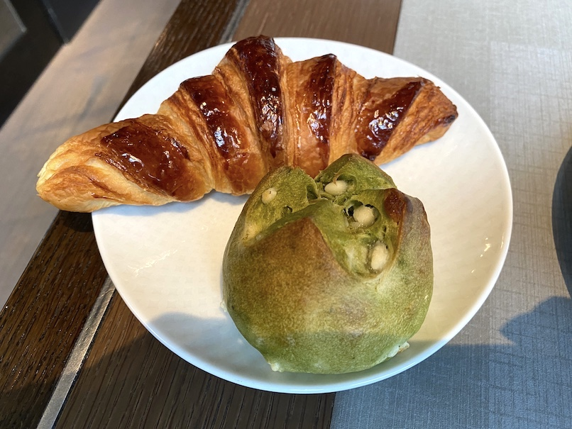 ザ・リッツ・カールトン東京の朝食:ベーカリー(皿)