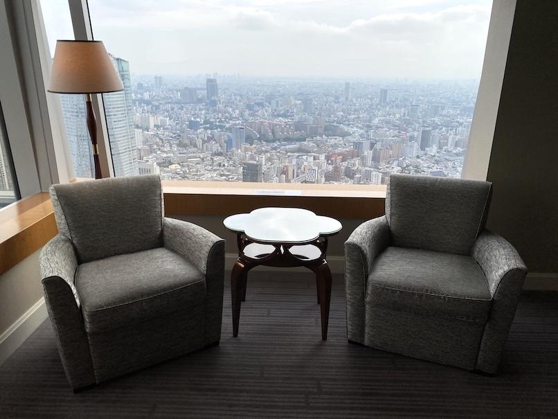 「ザ・リッツ・カールトン東京」の客室(カールトンスイート)