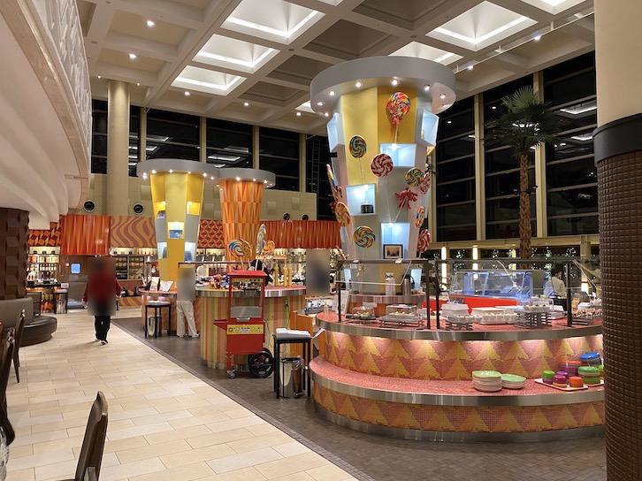 シェラトングランデ東京ベイ「グランカフェ」:全体像