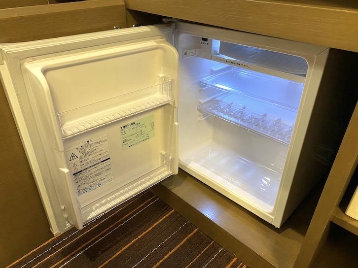 シェラトングランデ東京ベイ「和室スイーツ」:ミニバー(冷蔵庫の中身)