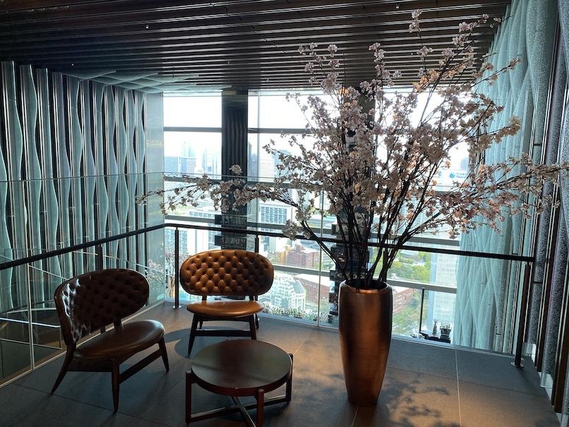 ザ・プリンスギャラリー 東京紀尾井町:ロビー(チェア&テーブル)