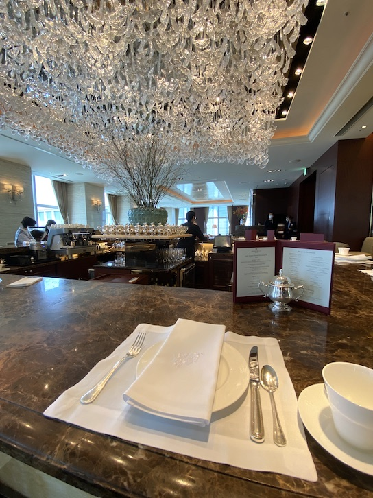 シャングリ・ラ ホテル東京「ザ・ロビーラウンジ」のカウンター