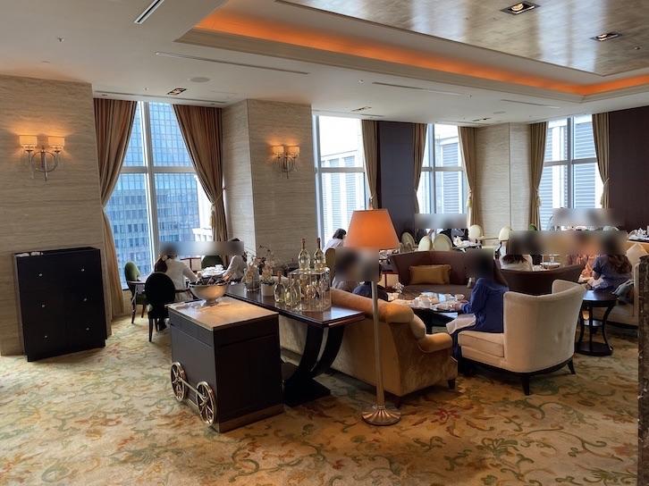 シャングリ・ラ ホテル東京「ザ・ロビーラウンジ」のフロア(全体像)