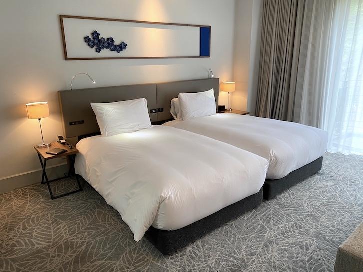 旧軽井沢KIKYOキュリオ・コレクションbyヒルトン:客室(ベッド)
