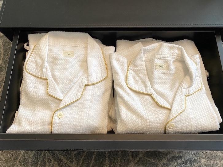 旧軽井沢KIKYOキュリオ・コレクションbyヒルトン:客室(パジャマ、バスローブ)