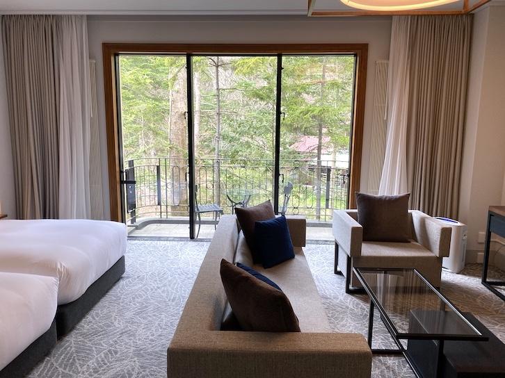 旧軽井沢KIKYOキュリオ・コレクションbyヒルトン:客室(窓)