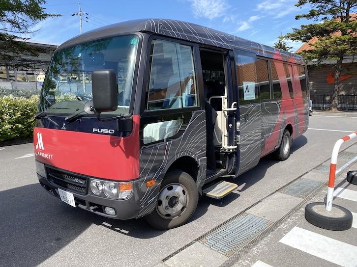 軽井沢マリオットホテル:無料送迎バス(バスの外観)