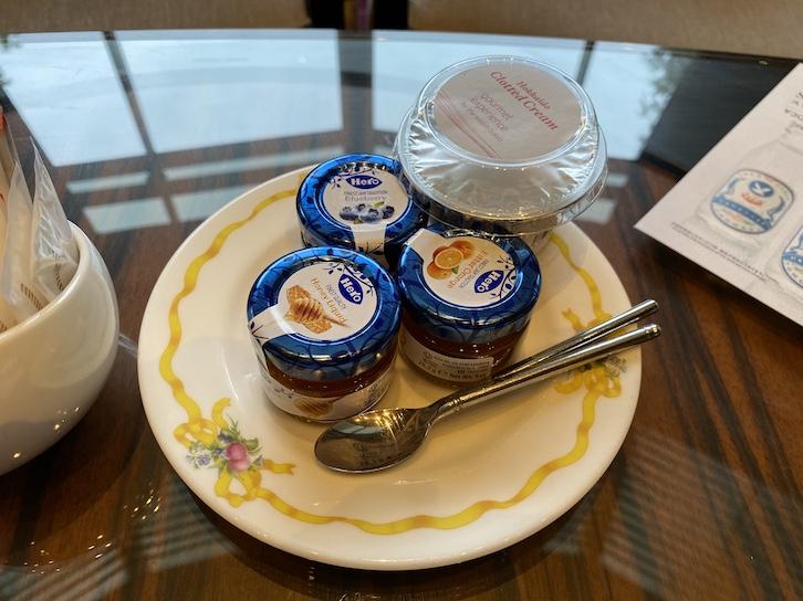 ウェスティンホテル東京のアフタヌーンティー:フード(ジャム&クロテッドクリーム)