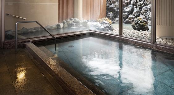 軽井沢マリオットホテル:温泉大浴場・露天風呂(内湯)