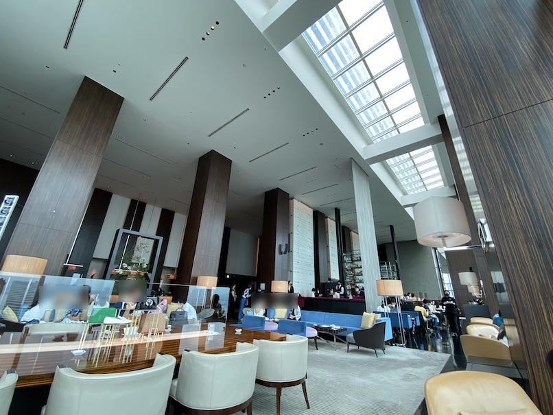 コンラッド東京「トゥエンティエイト」:ラウンジの内観