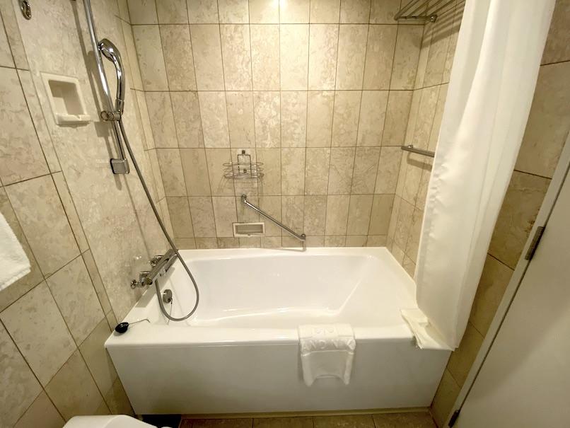グランドニッコー東京ベイ舞浜の客室:バスルーム(バスタブ)