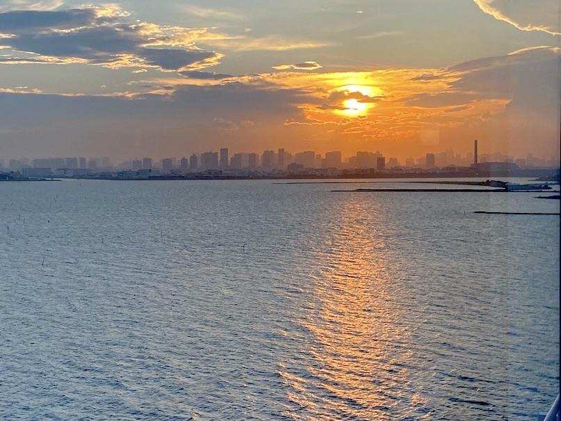 グランドニッコー東京ベイ舞浜「ニッコーラウンジ」:夕日