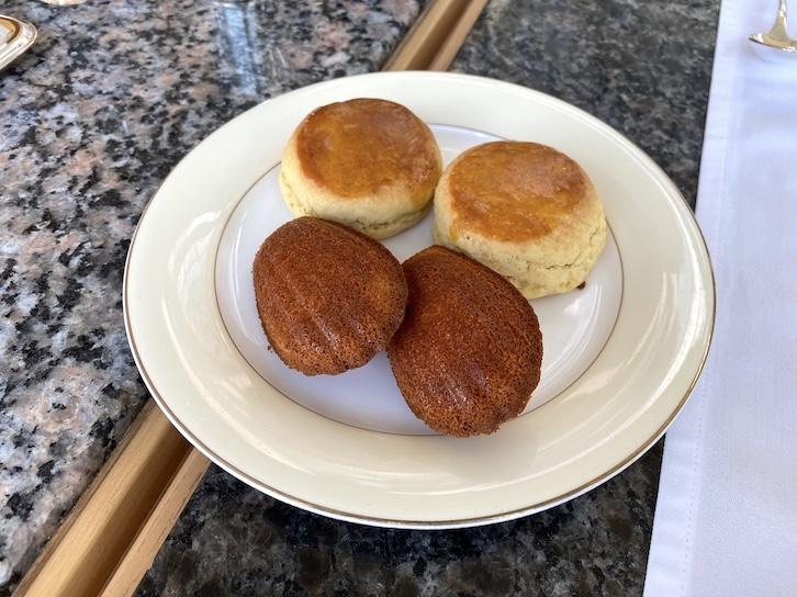 パークハイアット東京のアフタヌーンティー:別皿(スコーン)