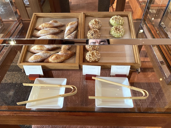 パークハイアット東京の朝食:ビュッフェ(パン1)