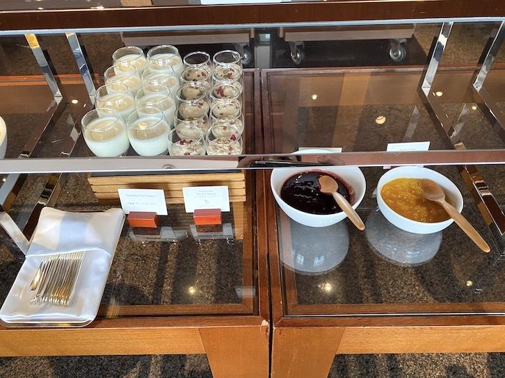 パークハイアット東京の朝食:ビュッフェ(ヨーグルト&ジャム)