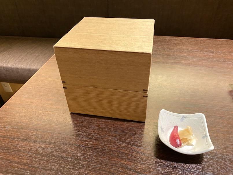 コートヤード・マリオット銀座東武ホテルのアフタヌーンティー:お重の外観