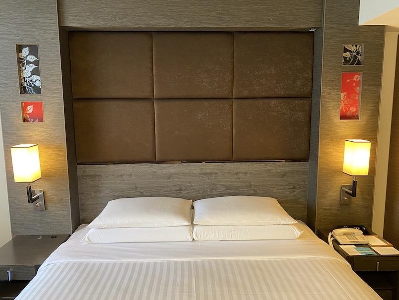 コートヤード銀座 宿泊記:客室(ヘッドボード)