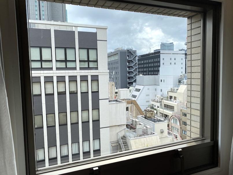 コートヤード銀座 宿泊記:客室(窓)