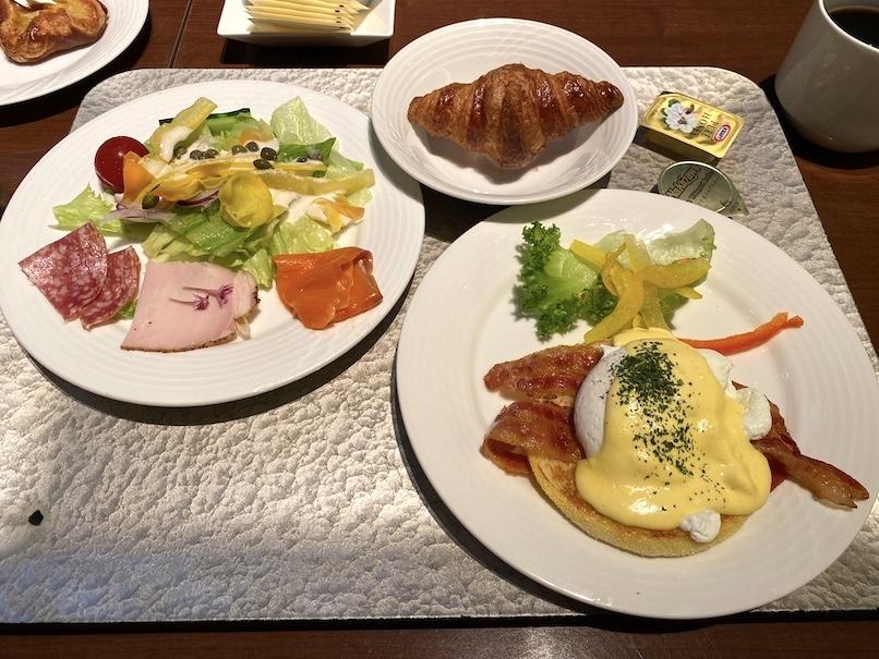 コートヤード銀座の朝食:実食(サラダ、卵料理、パン)