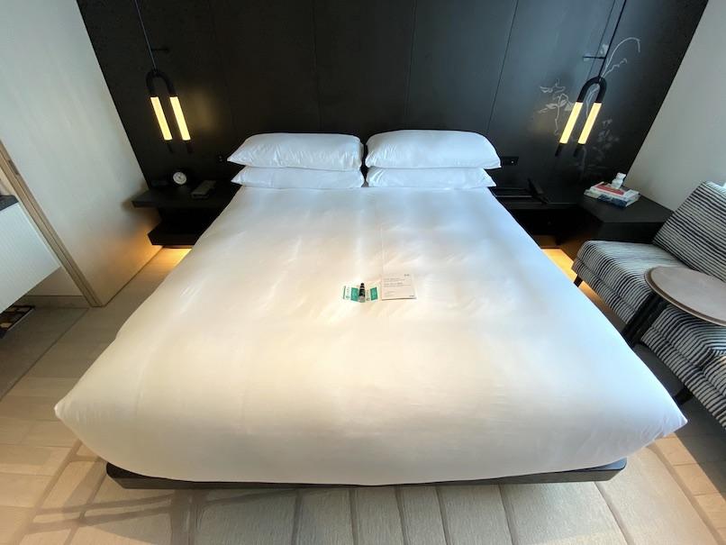 キンプトン新宿東京 客室:ベッド
