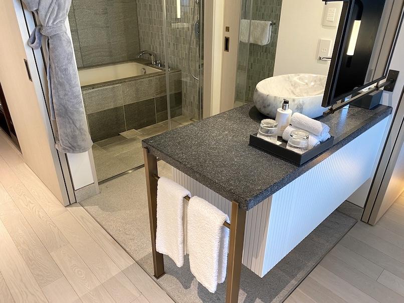 キンプトン新宿東京 客室:バスルーム(全体像)