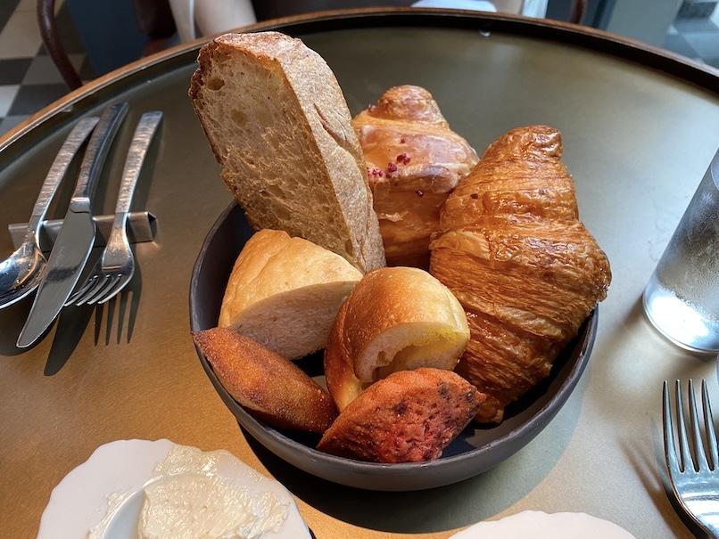 キンプトン新宿東京の朝食(ブランチ):フード(クロワッサン)