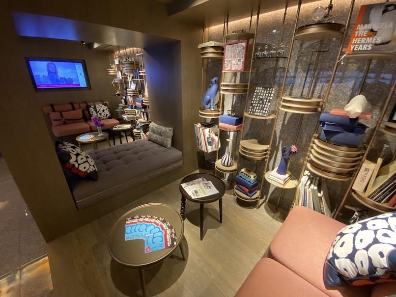 メルキュール東京銀座:ホテルの待合スペース(1)