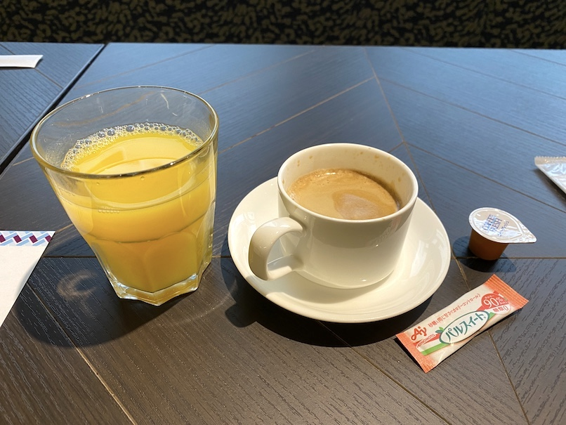 メルキュール東京銀座の朝食:コーヒー&ジュース