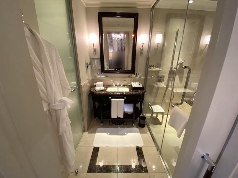 東京ステーションホテルの客室:バスルーム(全体像)