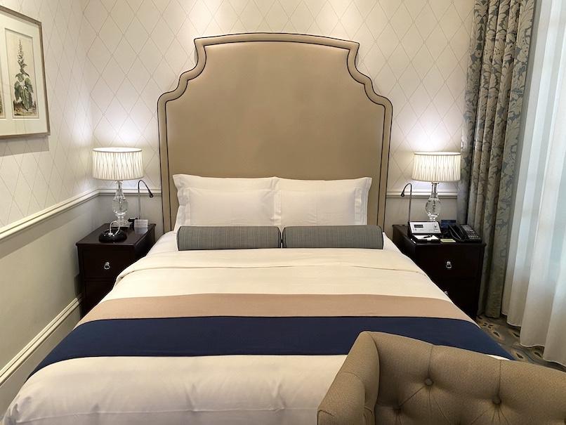 東京ステーションホテルの客室:ベッド