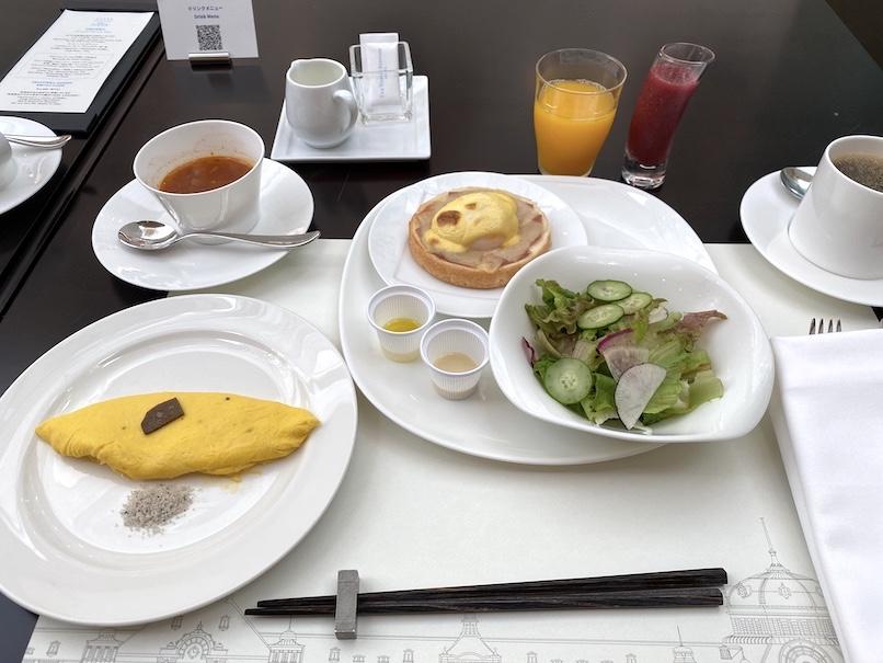 東京ステーションホテル「アトリウム」:朝食(サラダ&卵料理)