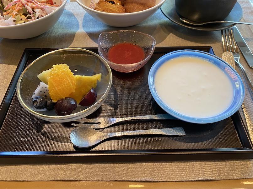 HOTEL THE MITSUI KYOTO(ホテルザ三井京都)の朝食:洋食(ヨーグルト&フルーツ)
